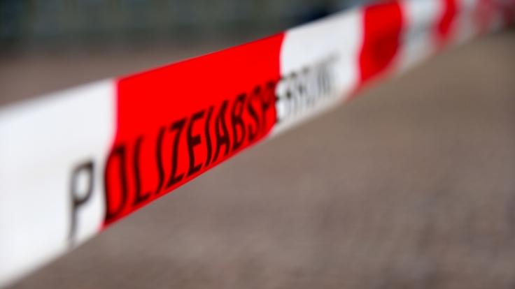 Nahe Karlsruhe kam es zu einem schweren Unfall. (Foto)