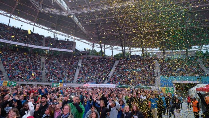 40.000 Helene-Fans feierten mit der Schlagersängerin trotz Regen eine Sommerparty in der Red-Bull-Arena Leipzig. (Foto)