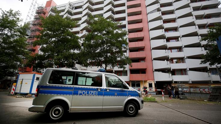 Ein festgenommener Tunesier soll in diesem Kölner Hochhaus biologische Waffen in seiner Wohnung hergestellt haben. (Foto)