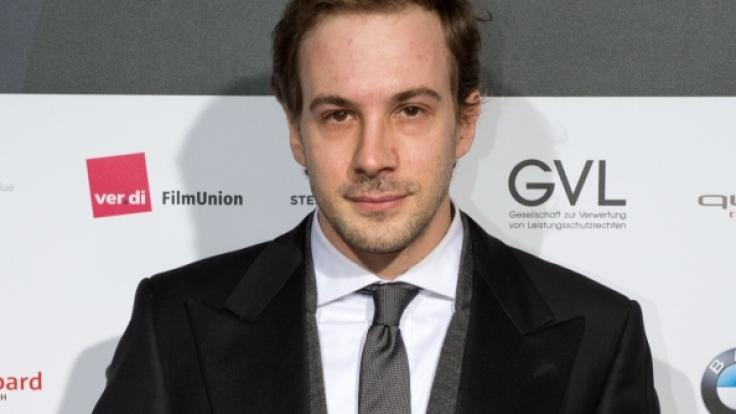 Große Ehre: Bei der Berlinale 2014 durfte Schauspieler Florian Teichtmeister den Deutschen Schauspielerpreis mit nach Hause nehmen. (Foto)