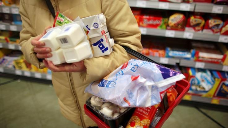 Nach der bundesweiten Giftdrohung in Supermärkten geht bei Verbrauchern die Angst um (Symbolbild). (Foto)