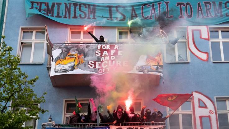 """Unterstützer der linksradikalen """"Revolutionären 1. Mai-Demonstration"""" drohen auch 2020 mit Protesten. (Foto)"""