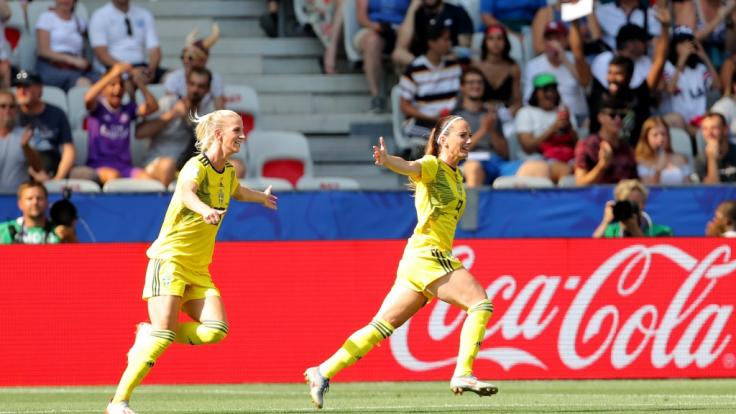 Schwedens Fußball-Frauen habenbei der Weltmeisterschaft in Frankreich die Bronze-Medaille gewonnen.