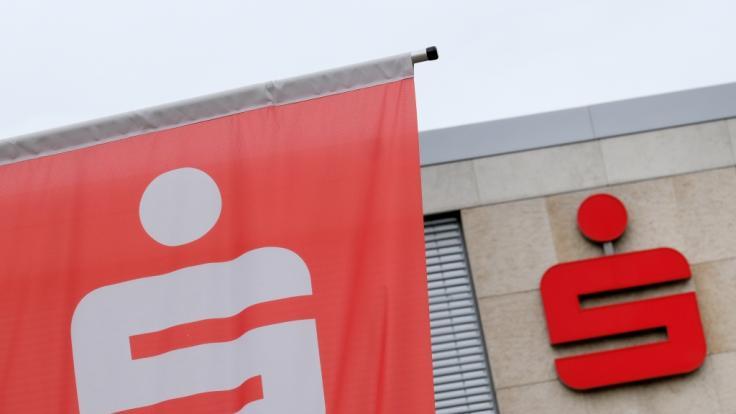 Sparkassen-Kunden sind aktuell das Ziel mieser Betrüger. (Foto)
