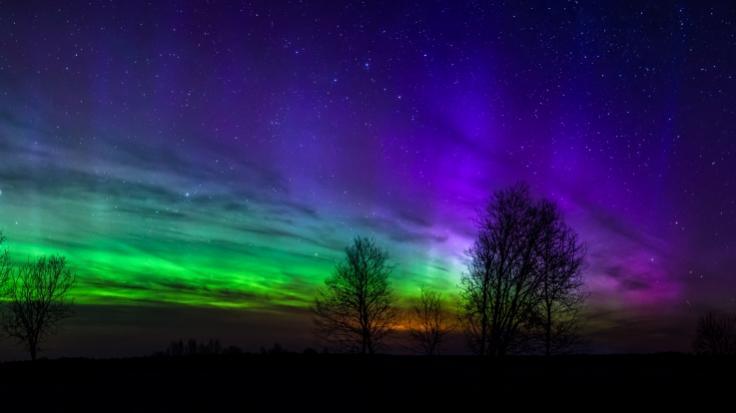 Einen Sonnensturm soll auf die Erde treffen. Möglicherweise sind dadurch Polarlichter sichtbar. (Foto)