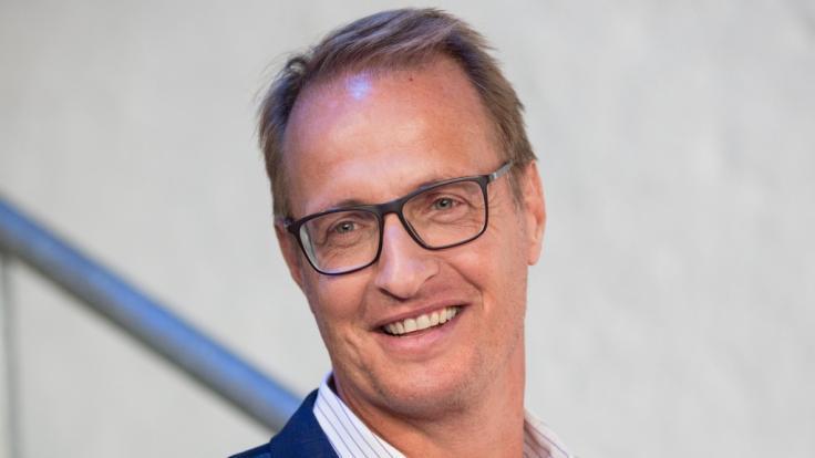 "Florian König löst Thomas Helmer bei der Moderation des Fußball-Talks ""Doppelpass"" bei Sport 1 ab. (Foto)"