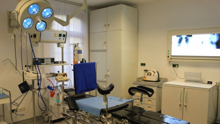 Die KlinikWelt ist mit original Praxis-Inventar ausgestattet. (Foto)