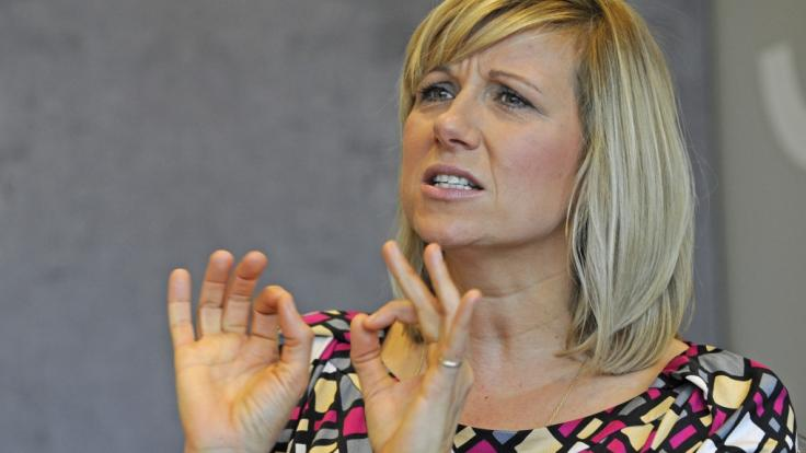 """Der """"ZDF Fernsehgarten"""" vom 4. Juli 2021 verlangte Moderatorin Andrea Kiewel einiges an Improvisationstalent ab. (Foto)"""