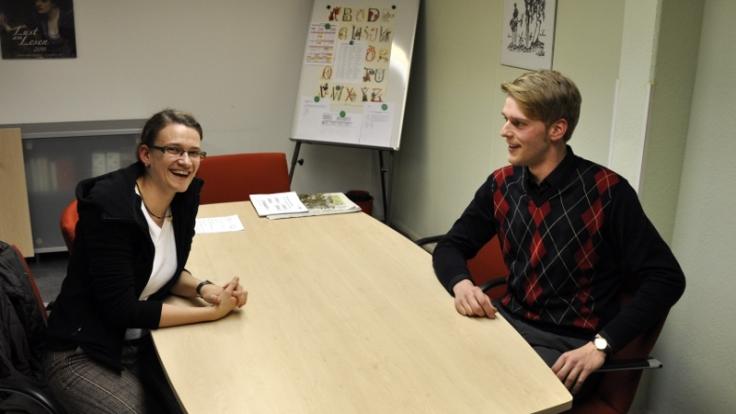 Monika Neupert und Eric Döring holen am Abendgymnasium Leipzig ihr Abitur nach. (Foto)