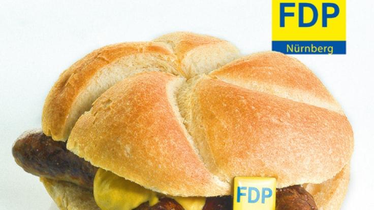 Aus Liebe zur Wurst: Mit dieser landestypischen Spezialität wirbt die FDP Nürnberg um Stimmen bei der Europawahl 2014.