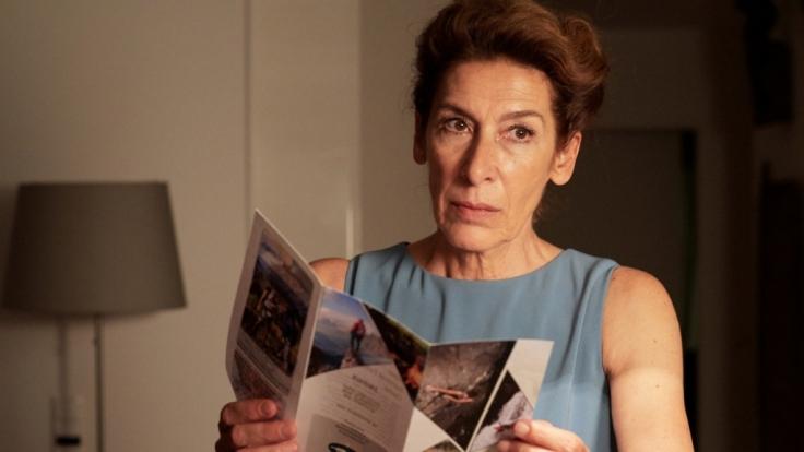 """""""Venus im vierten Haus"""": Gitti Kronlechner (Adele Neuhauser) überlegt, in ein """"Survival Camp"""" zu gehen. (Foto)"""
