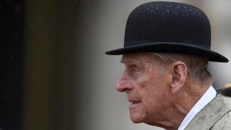 Prinz Philip, der 96 Jahre alte Ehemann von Queen Elizabeth II., muss wegen Hüft-Problemen ins Krankenhaus. (Foto)