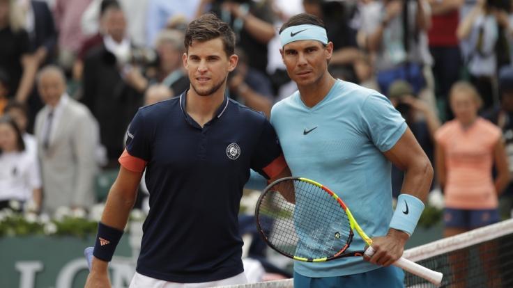Der Spanier Rafael Nadal (rechts) hat im Finale der French Open 2018 gegen den Österreicher Dominic Thiem (links) gewonnen.