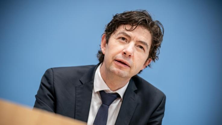 Christian Drosten, Direktor des Instituts für Virologie an der Charité, äußert sich zur Delta-Gefahr. (Foto)