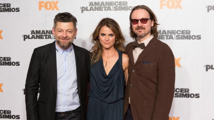 Andy Serkis, Keri Russel und Regisseur Matt Reeves stehen news.de-Redakteurin Susett Queisert Rede und Antwort. (Foto)