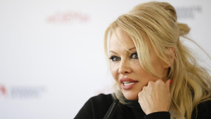 Pamela Anderson zeigt sich nackt im Netz. (Foto)