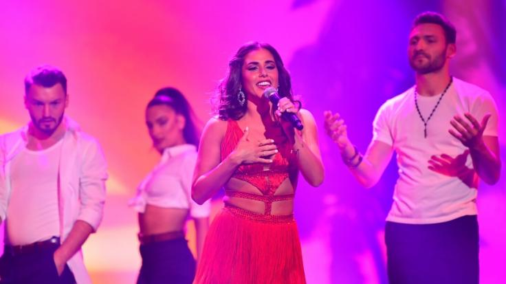 "Sarah Lombardi performt ihren Song ""Te Amo Mi Amor"". (Foto)"