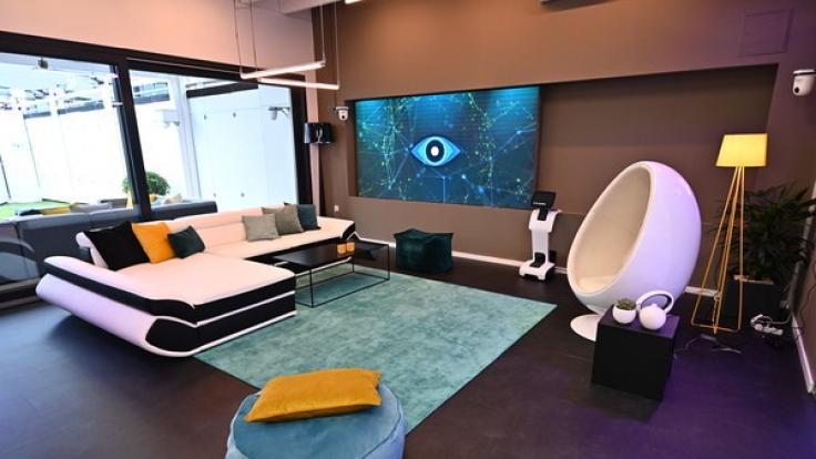 """Der Wohnbereich im """"Glashaus"""" der neuen """"Big Brother""""-Staffel. (Foto)"""