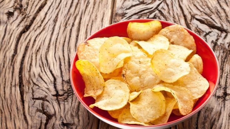 Kartoffelchips selber zu machen ist gar nicht so schwer.