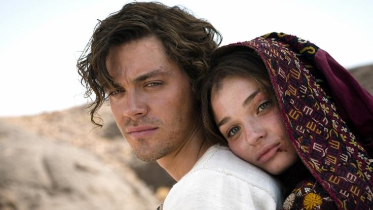 Rob (Tom Payne) hat sich in die schöne Rebecca (Emma Rigby) verliebt. (Foto)