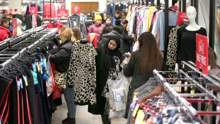 Auch an diesem Verkaufsoffenen Sonntag laden wieder Geschäfte zum Sonntagsverkauf.