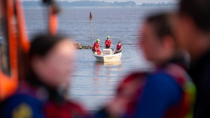 Ein bei Kollmar (Kreis Steinburg) in der Elbe vermisstes neunjähriges Mädchen ist tot gefunden worden. (Foto)