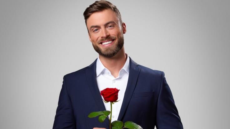 """Der RTL-""""Bachelor"""" 2021, Niko Griesert, steht endlich zu seiner neuen Liebe. (Foto)"""