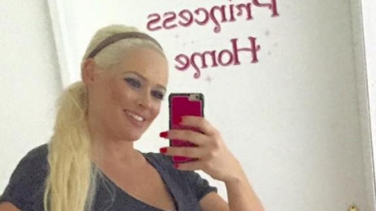 Daniela Katzenberger präsentiert vier Wochen nach der Geburt ihrer Tochter ihren After-Baby-Body.