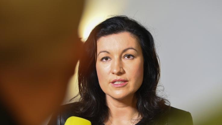 Dorothee Bär (CSU), Staatsministerin für Digitales, trauert um ihren Schwiegervater Hans Bär. (Foto)