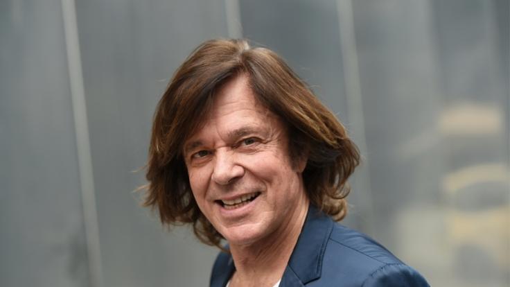 Jürgen Drews steht seit etwa 50 Jahren auf der Bühne - privat ist der Schlagerstar aber ganz Familienmensch. (Foto)