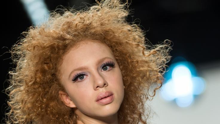 Anna Ermakowa, Tochter von Boris Becker, auf dem Laufsteg derMercedes-Benz Fashion Week in Berlin.