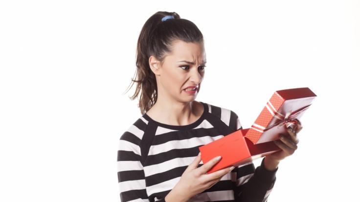 Gerade zu Weihnachten ist Zoff garantiert, wenn das falsche Geschenk unterm Weihnachtsbaum landet. (Foto)