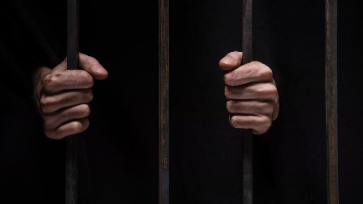 Eine Frau aus Thailand hält einen Mann seit seinem 10. Lebensjahr in einer Wohnung gefangen. (Symbolbild) (Foto)