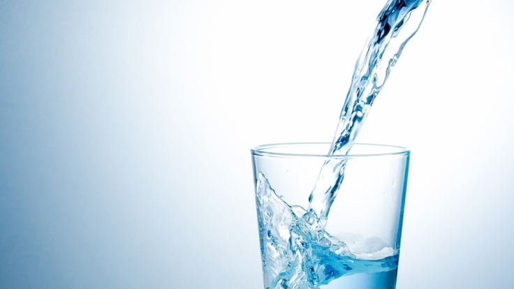 Mineralwasser vs. Leitungswasser: Welches Wasser gewinnt? (Foto)