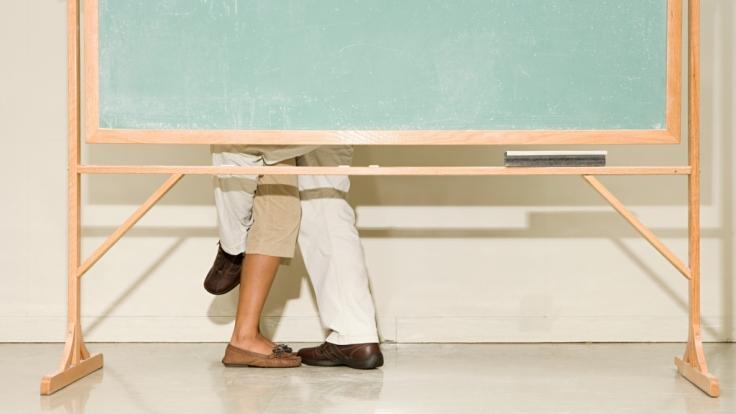 Fast ein Jahr lang lief die Affäre zwischen Lehrerin und Schüler. (Foto)
