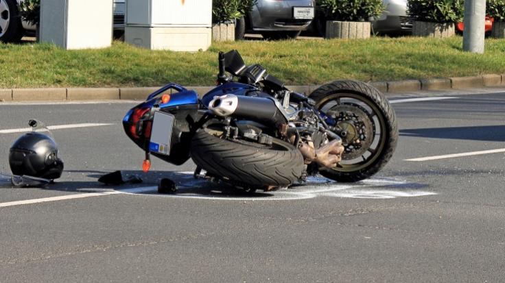 Ein schrecklicher Motorradunfall auf Bali wurde der Bloggerin Anastasia Tropitsel zum tödlichen Verhängnis (Symbolbild).