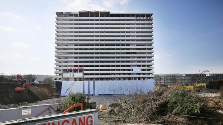 Am Sonntag ist das Bonn-Center kontrolliert gesprengt worden.