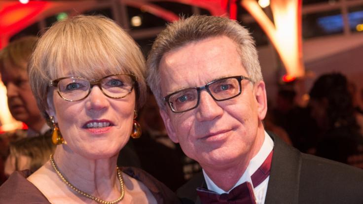 Thomas de Maizière mit seiner Frau Martina beim Ball des Sports 2016. (Foto)