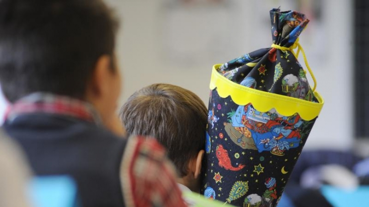 Elternteil darf alleine über Schulwahl bestimmen (Foto)
