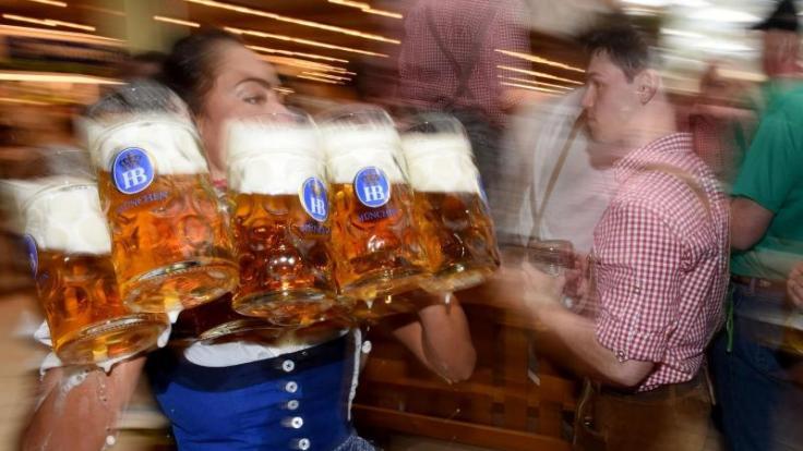 Auf den Wiesn gab es schon einige Skandale, die nicht einmal etwas mit dem Bier zu tun hatten. (Foto)