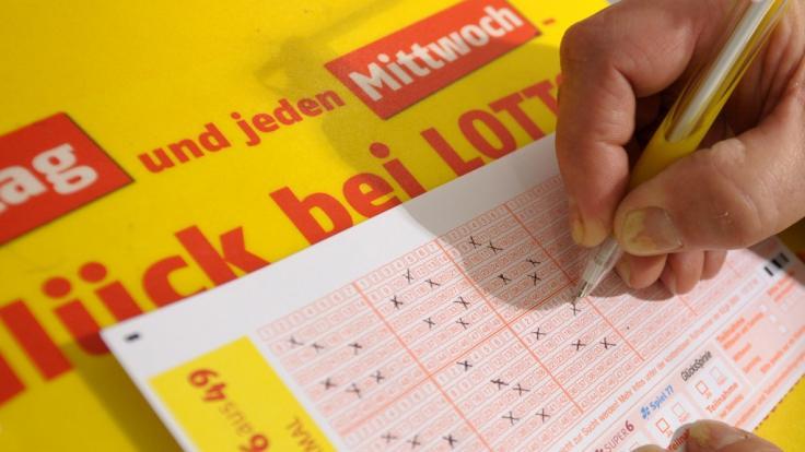 Wann kommt es zu einer Zwangsausschüttung beim Lotto?