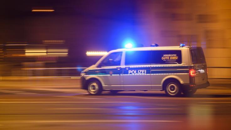 Die Polizei in Ulm fand in einer Wohnung im Dichterviertel die Leichen einer 34-Jährigen und eines fünfjährigen Kindes (Symbolbild). (Foto)
