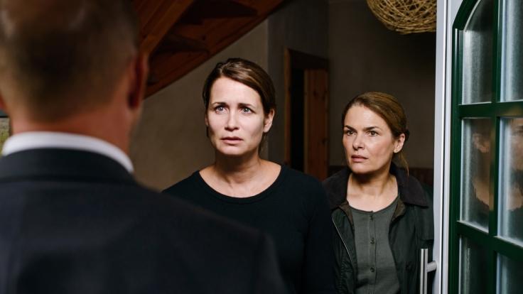 Simon Kessler (Heino Ferch, l.), Silke Broder (Anja Kling, M.) und Hella Christensen (Barbara Auer, r.). (Foto)
