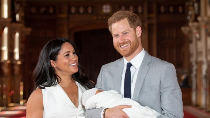 Prinz Harry und sein Sohn Archie Harrison Mountbatten-Windsor stehen auf den Plätzen sieben und acht. (Foto)