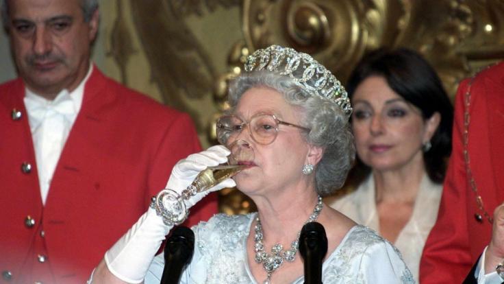 Royals-Fans aufgepasst: Queen Elizabeth II. verkauft jetzt Gin. (Foto)