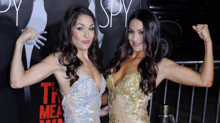 Die Bella-Twins gehörten jahrelang zum WWE-Inventar. (Foto)