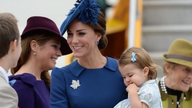Mit der zweijährigen Prinzessin Charlotte und ihrem älteren Bruder Prinz George hat Herzogin Kate alle Hände voll zu tun. (Foto)