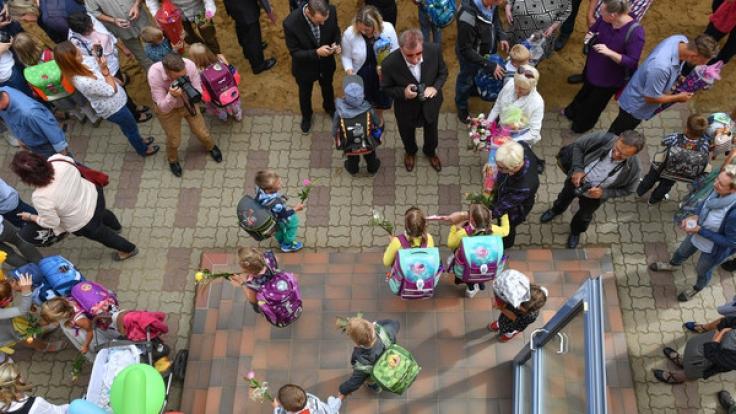 Die Eltern im Berliner Stadtteil Friedenau sind besorgt - ein Kinderschänder belästigt ihre Kinder. (Symbolbild)
