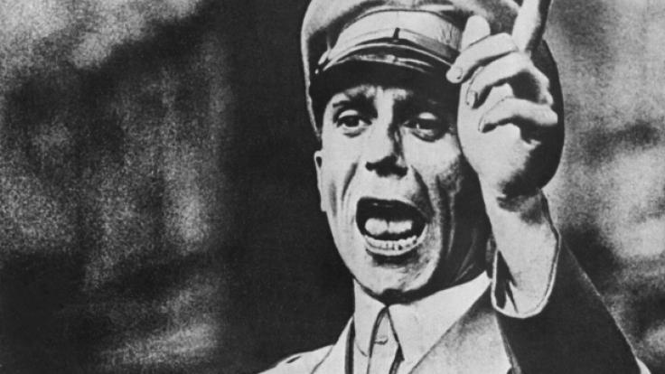 Die ehemalige Sekretärin von Joseph Goebbels plaudert aus dem Nähkästchen.