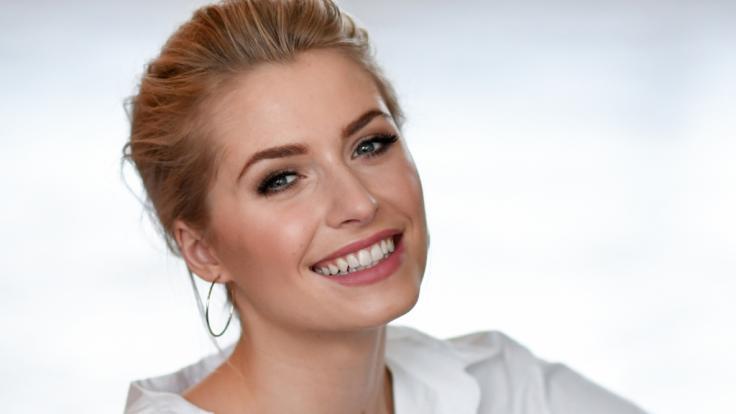 Lena Gercke ist ein Vollprofi und weiß, wie sie ihre sexy Modelkurven perfekt in Szene setzt.